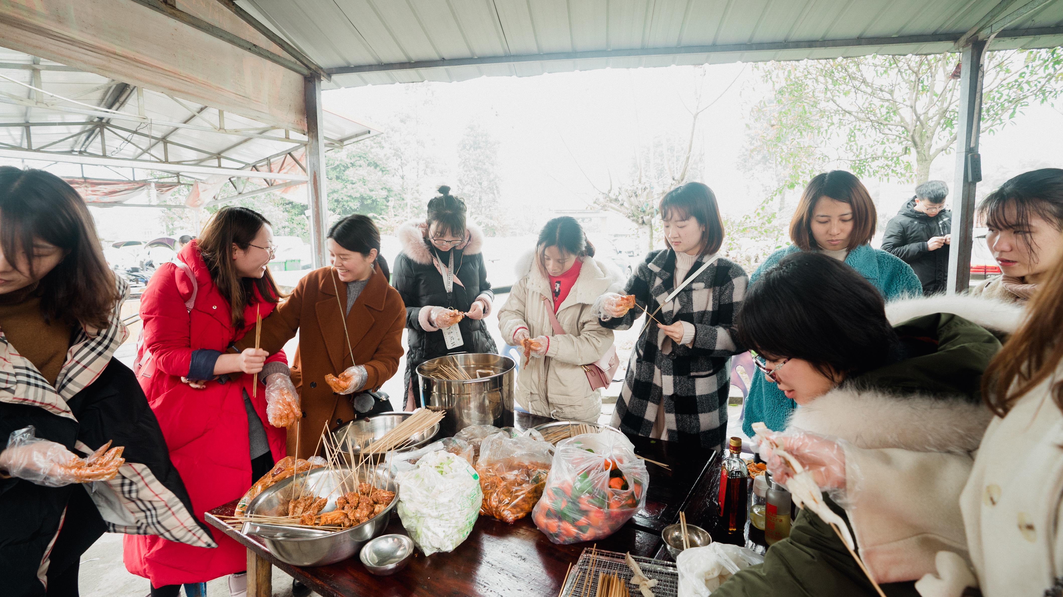 四川融智组织开展三八妇女节活动